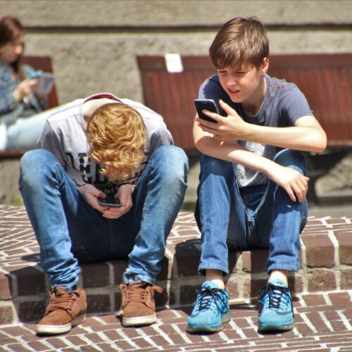 Op welke leeftijd krijgt je kind een smartphone?